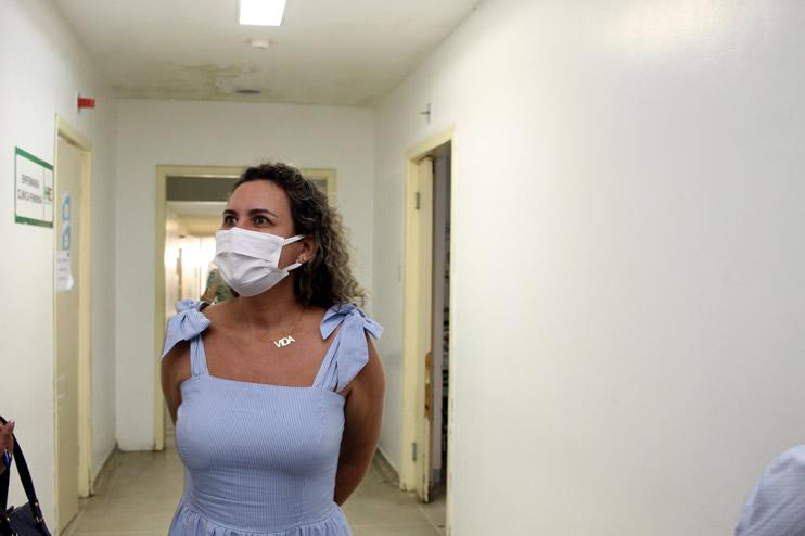 Prefeita faz nova vistoria ao Hospital Regional de Eunápolis 46