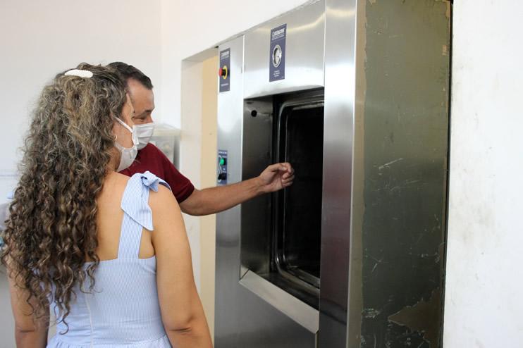 Prefeita faz nova vistoria ao Hospital Regional de Eunápolis 44