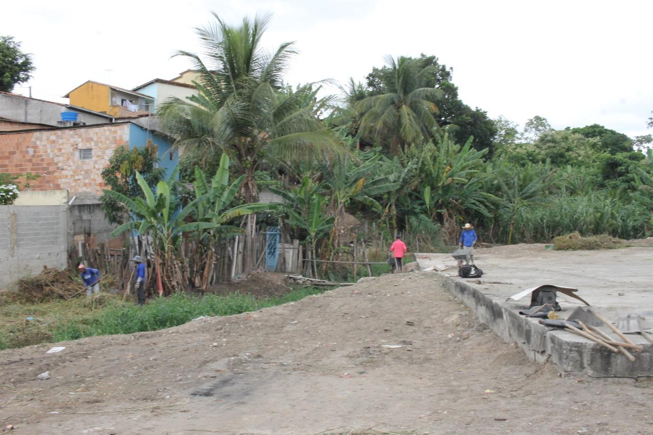 Limpeza na Feira do Bueiro anima feirantes, em Eunápolis 24