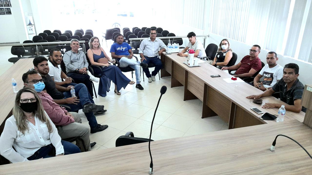ITABELA - Maioria dos participantes da enquete querem sessão da Câmara à noite 30