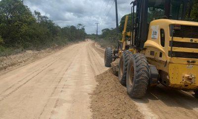 Prefeitura realiza manutenção na estrada que liga de Arraial e Trancoso, Orla Sul de Porto Seguro 31