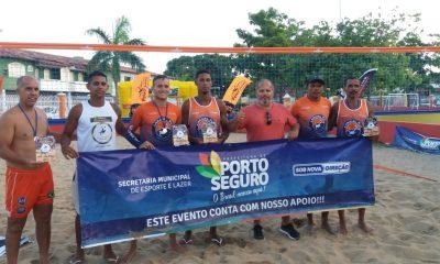 Porto Seguro: II Torneio de Futevôlei esquenta quadra de areia na Praça da Bíblia 16