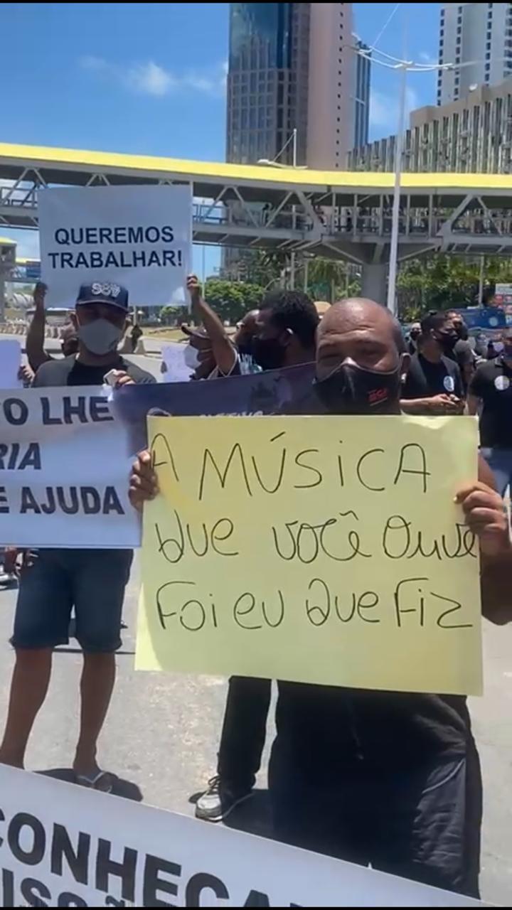 Manifestação é realizada por profissionais do entretenimento de Salvador, que estão sem trabalhar desde o início da pandemia. 28