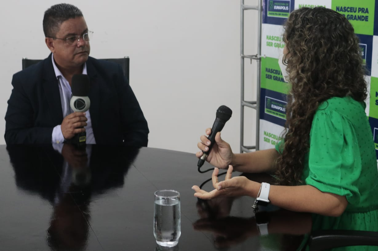 Prefeita de Eunápolis é entrevistada pela TV Cabrália (Record) 24