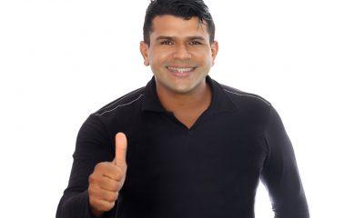 Eunápolis: Vereador Adeilson do Açougue fiscaliza a requalificação da Praça do Minas Gerais 11