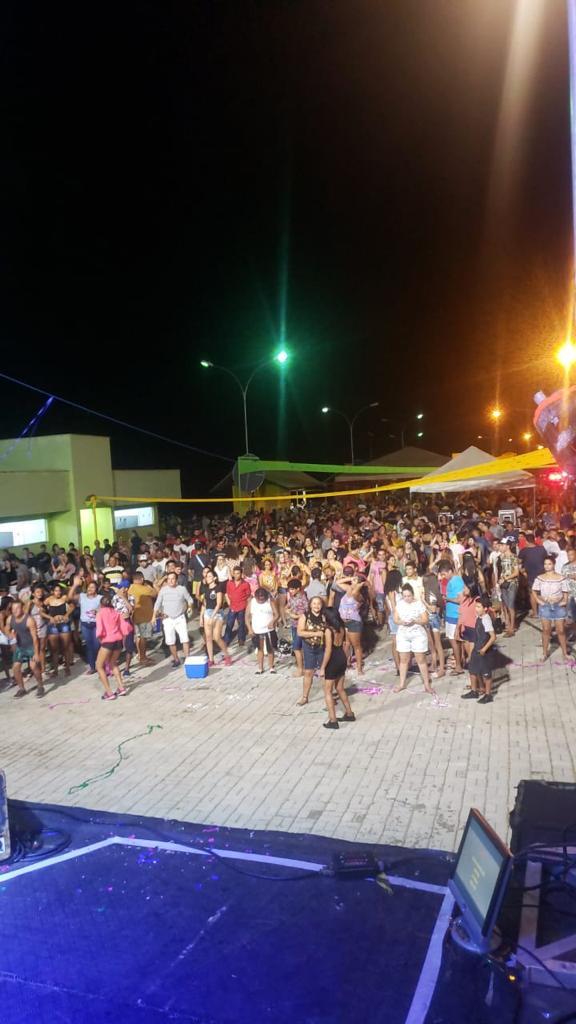 Fabinho abre o carnaval com chave de ouro na sexta em Paramirim 23