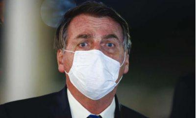 """Sem evidências, Bolsonaro diz que usar máscara causa """"dor de cabeça"""" 16"""