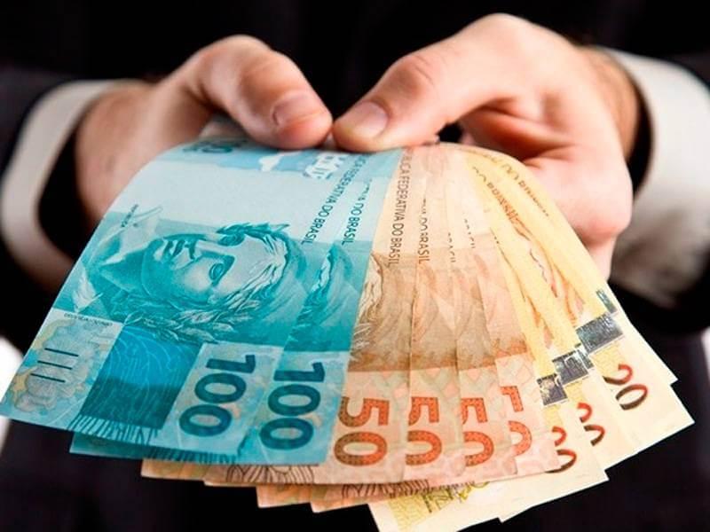 Dinheiro com rapidez: Descubra o papel do empréstimo pessoal 18