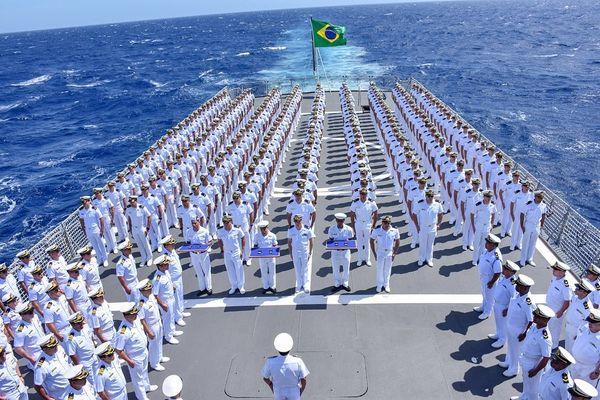 Marinha do Brasil abre processo seletivo de admissão para Escola Naval em 2021 20