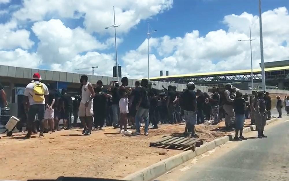 Manifestação é realizada por profissionais do entretenimento de Salvador, que estão sem trabalhar desde o início da pandemia. 22