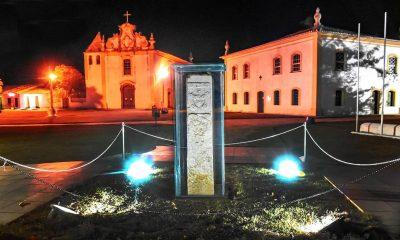 """O monumento """"Marco do Descobrimento"""", que conta a história da colonização brasileira, volta a brilhar em Porto Seguro (BA) 20"""