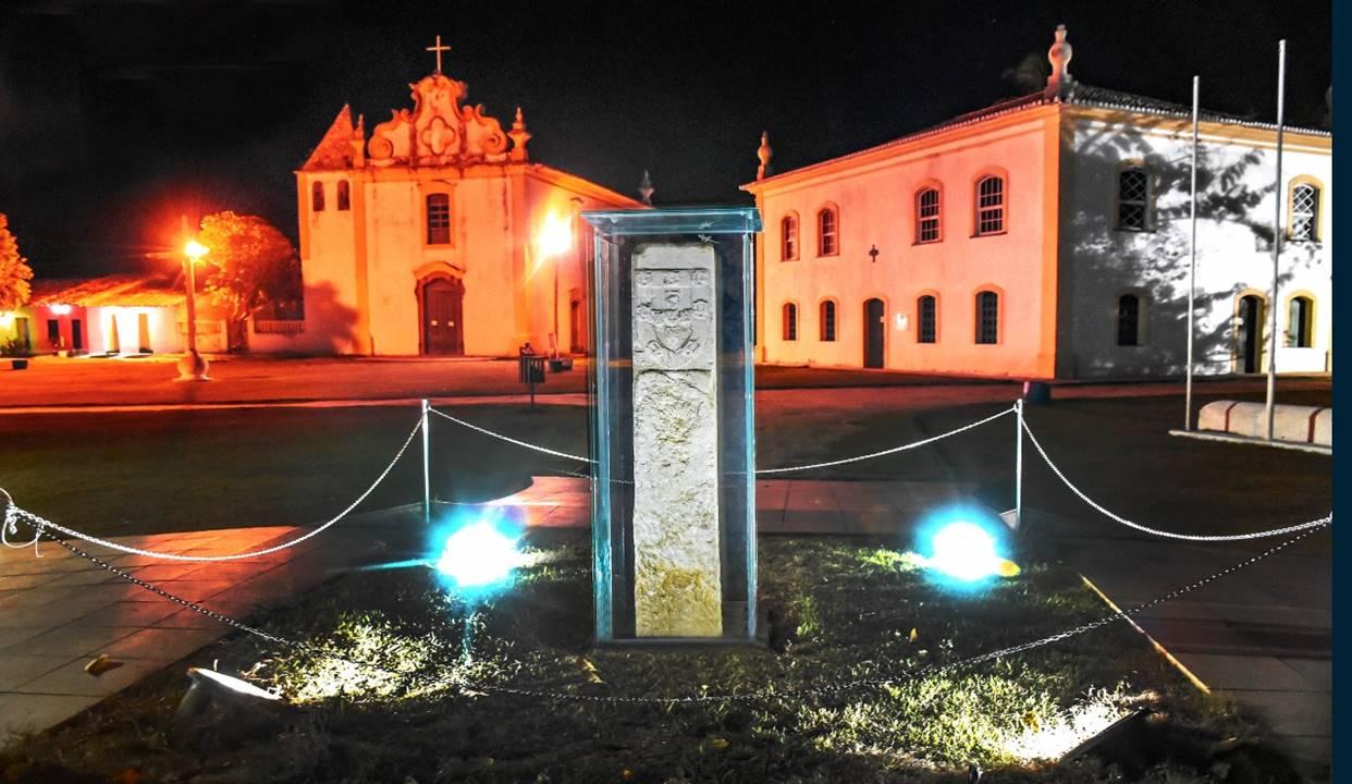 """O monumento """"Marco do Descobrimento"""", que conta a história da colonização brasileira, volta a brilhar em Porto Seguro (BA) 18"""