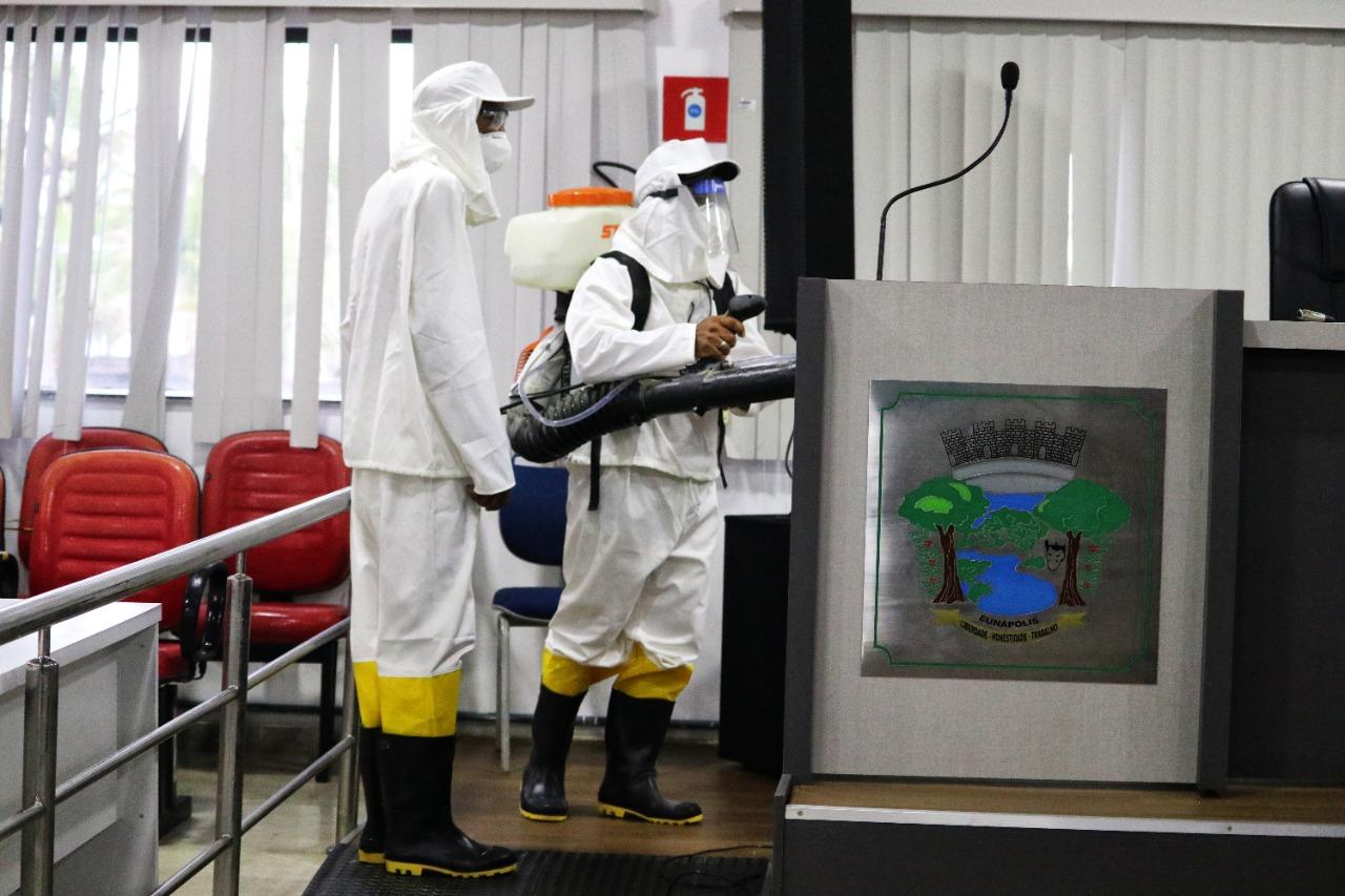 Câmara de Eunápolis passa por desinfecção 25