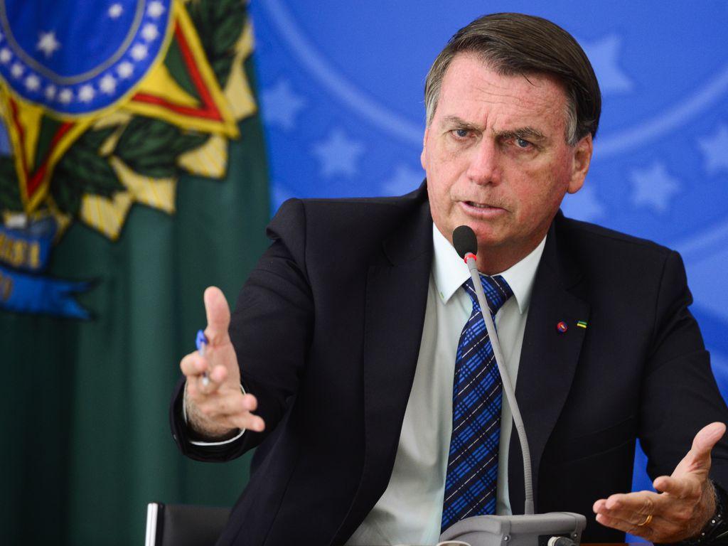 Bolsonaro zera PIS e Cofins do diesel e do gás de cozinha 16