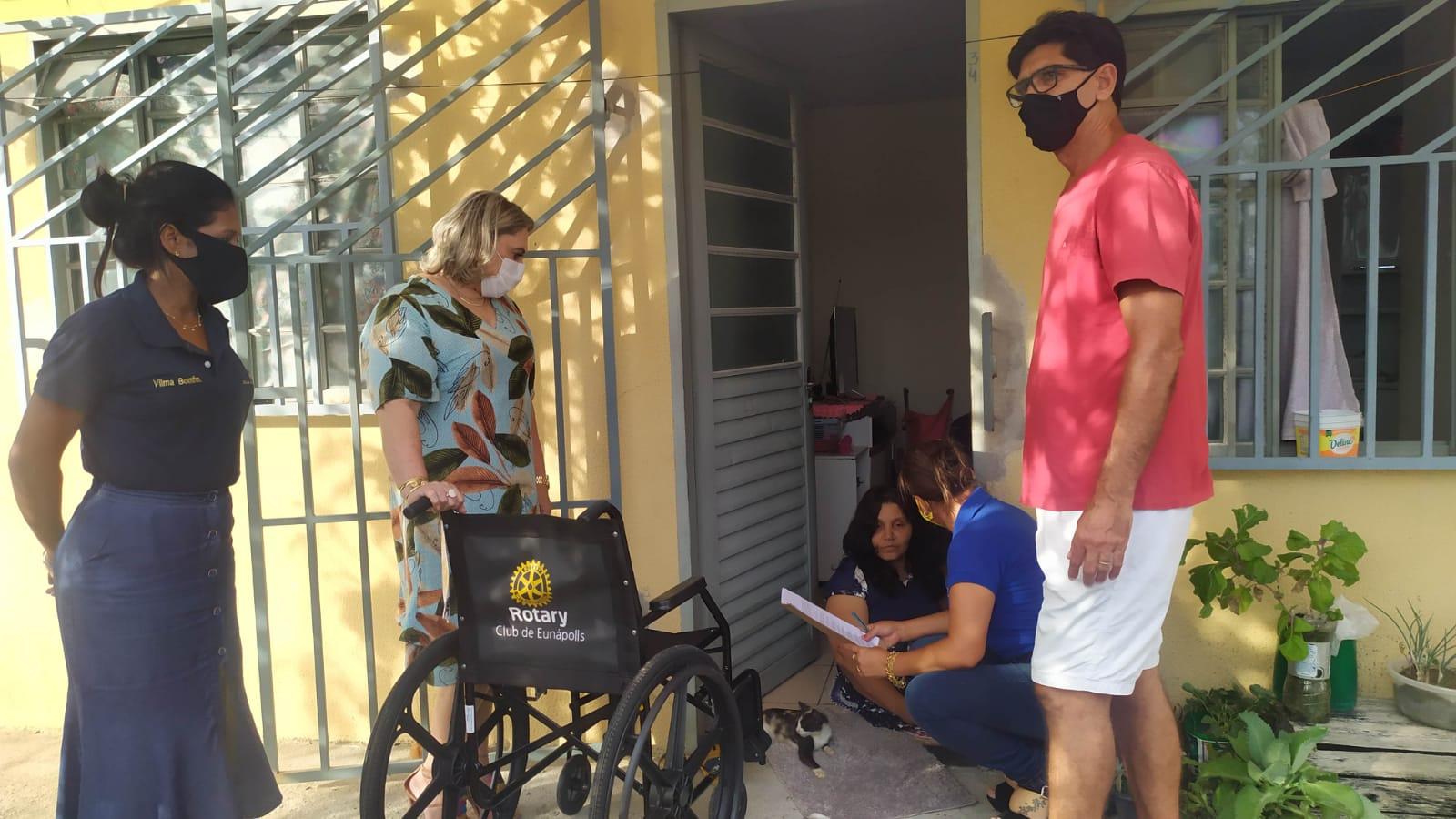 Cadeiras de rodas são entregues por Prefeitura e Rotary Club de Eunápolis 20