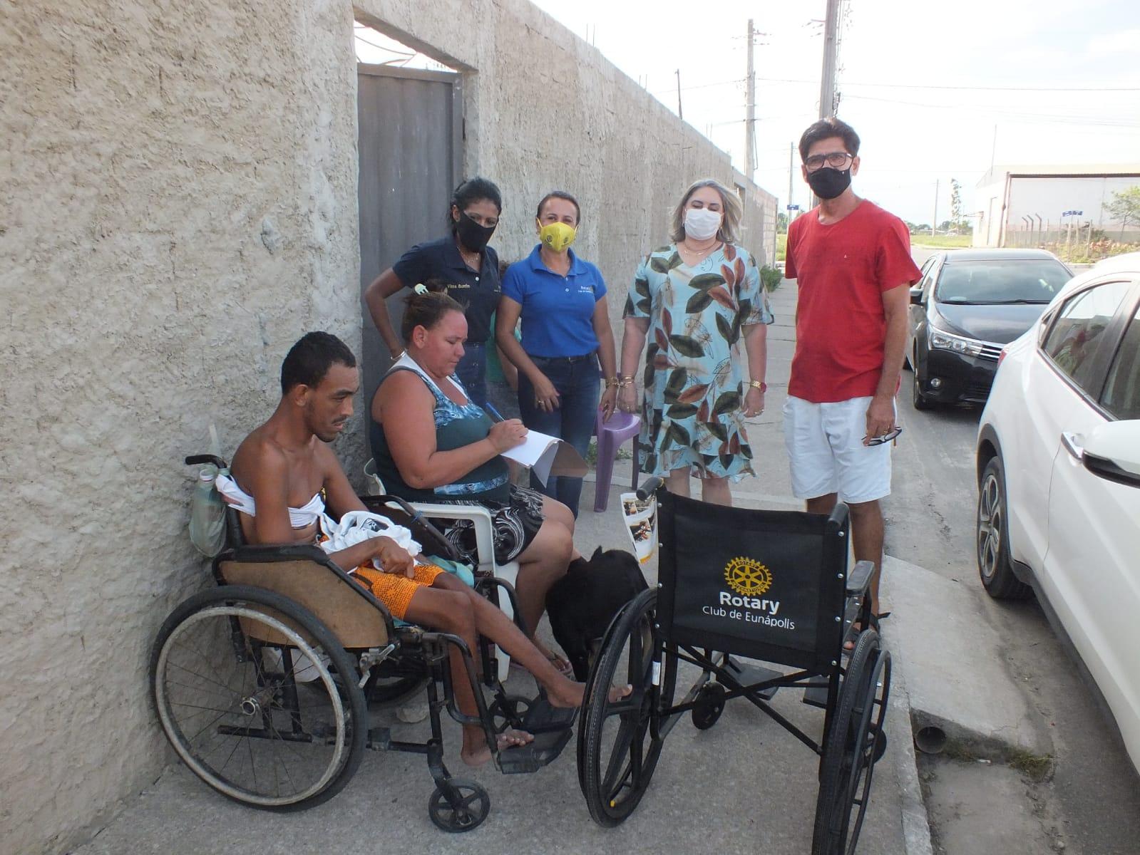 Cadeiras de rodas são entregues por Prefeitura e Rotary Club de Eunápolis 21