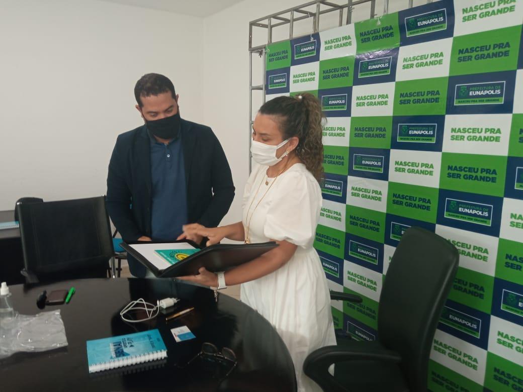 Prefeitura firma parceria com Senai para promover cursos profissionalizantes, em Eunápolis Expectativa é atender famílias que moram no Minha Casa Minha Vida 28