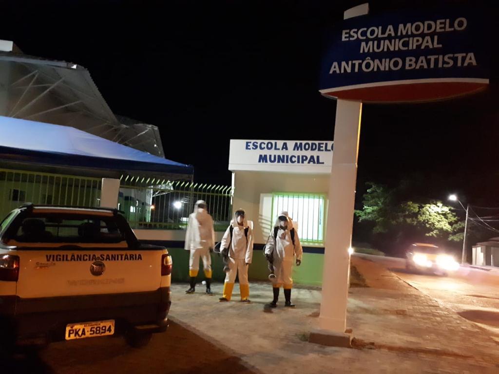Escolas públicas da rede municipal de ensino passam por desinfecção, em Eunápolis 22