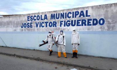 Escolas públicas da rede municipal de ensino passam por desinfecção, em Eunápolis 32