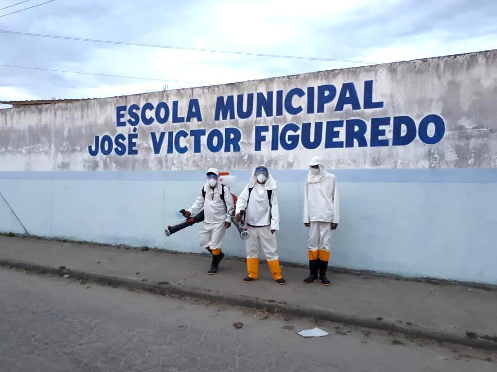 Escolas públicas da rede municipal de ensino passam por desinfecção, em Eunápolis 23