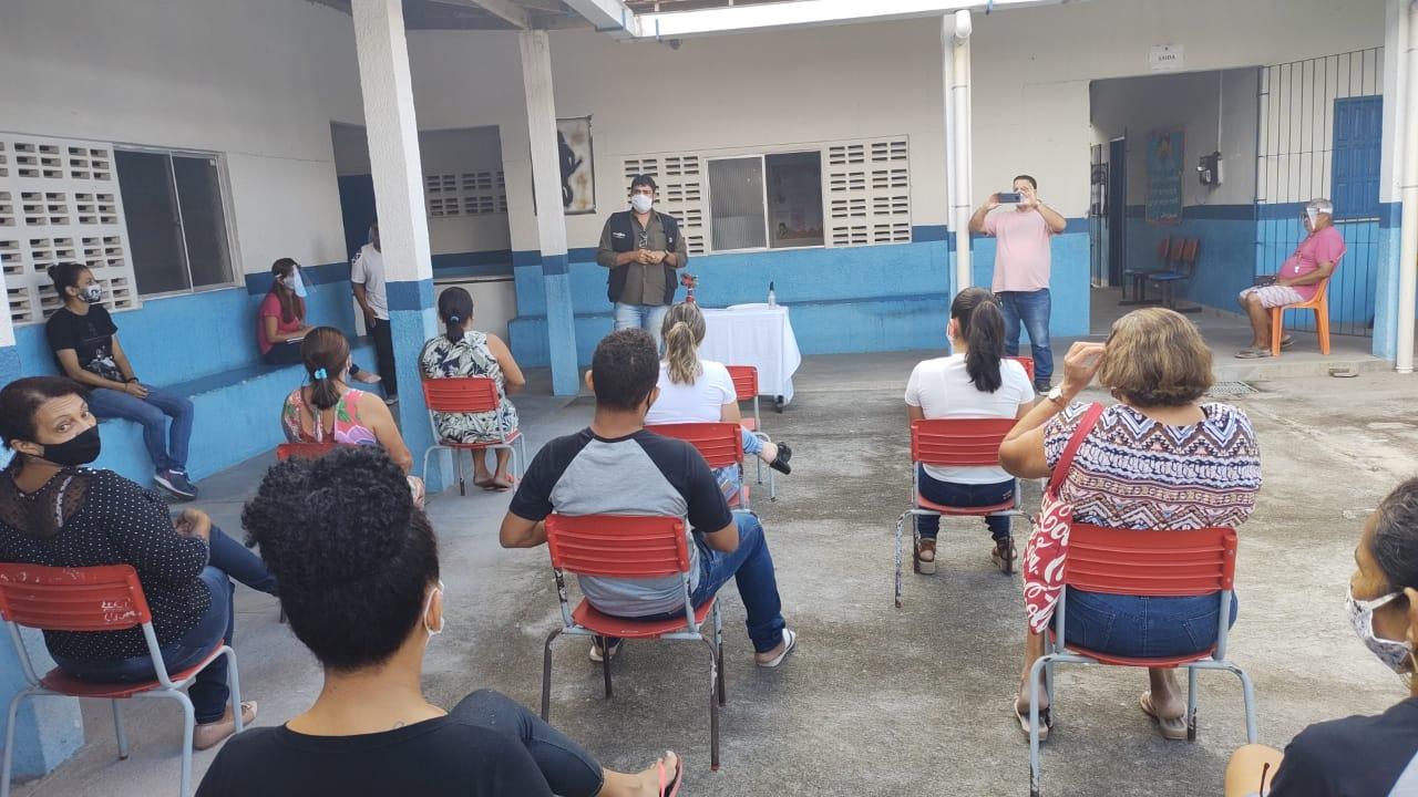 Escolas públicas da rede municipal de ensino passam por desinfecção, em Eunápolis 24