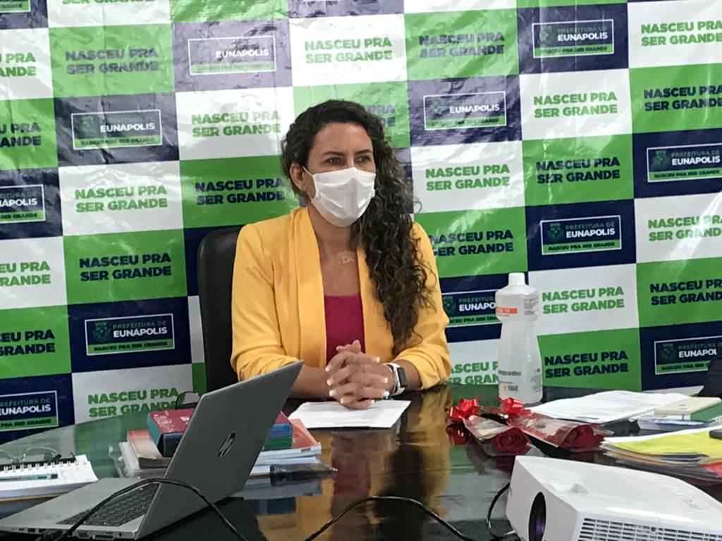 Prefeita de Eunápolis sanciona lei que atualiza o índice do IPTU de 24,52 para 4,52% 23