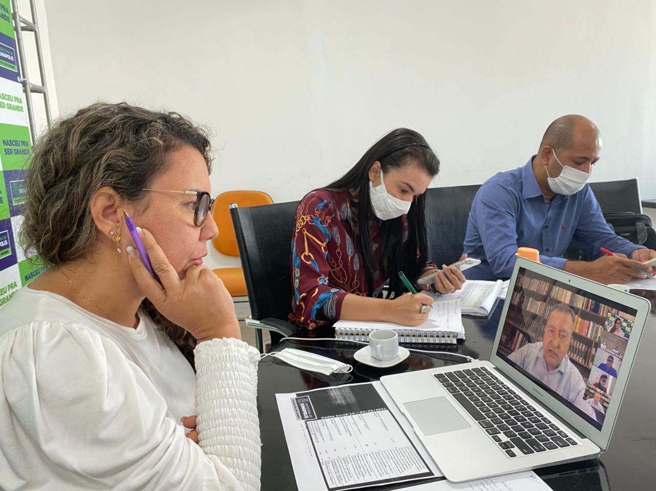 Governo da Bahia se compromete em destinar mais seis respiradores para o Hospital Covid-19, em Eunápolis 18