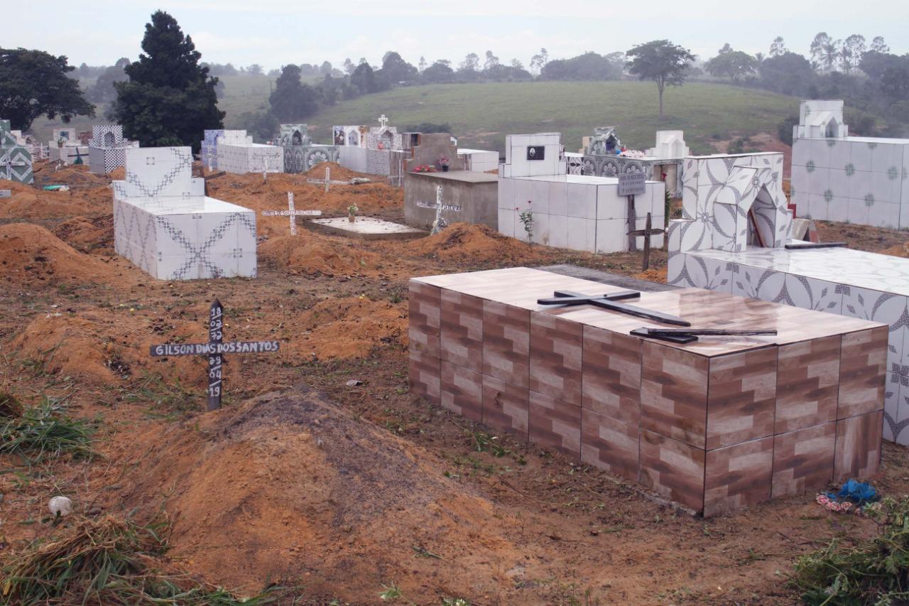 Prefeitura de Eunápolis inicia restauração Cemitério da Saudade, no Sapucaeira 29