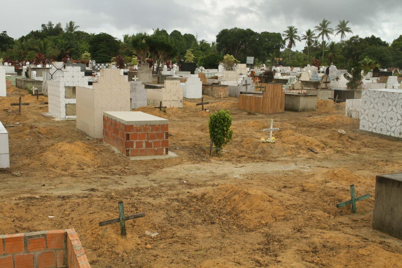 Prefeitura de Eunápolis inicia restauração Cemitério da Saudade, no Sapucaeira 28
