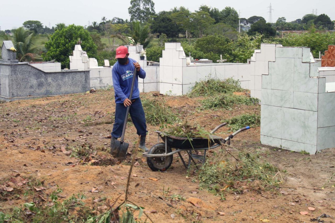 Prefeitura de Eunápolis inicia restauração Cemitério da Saudade, no Sapucaeira 26
