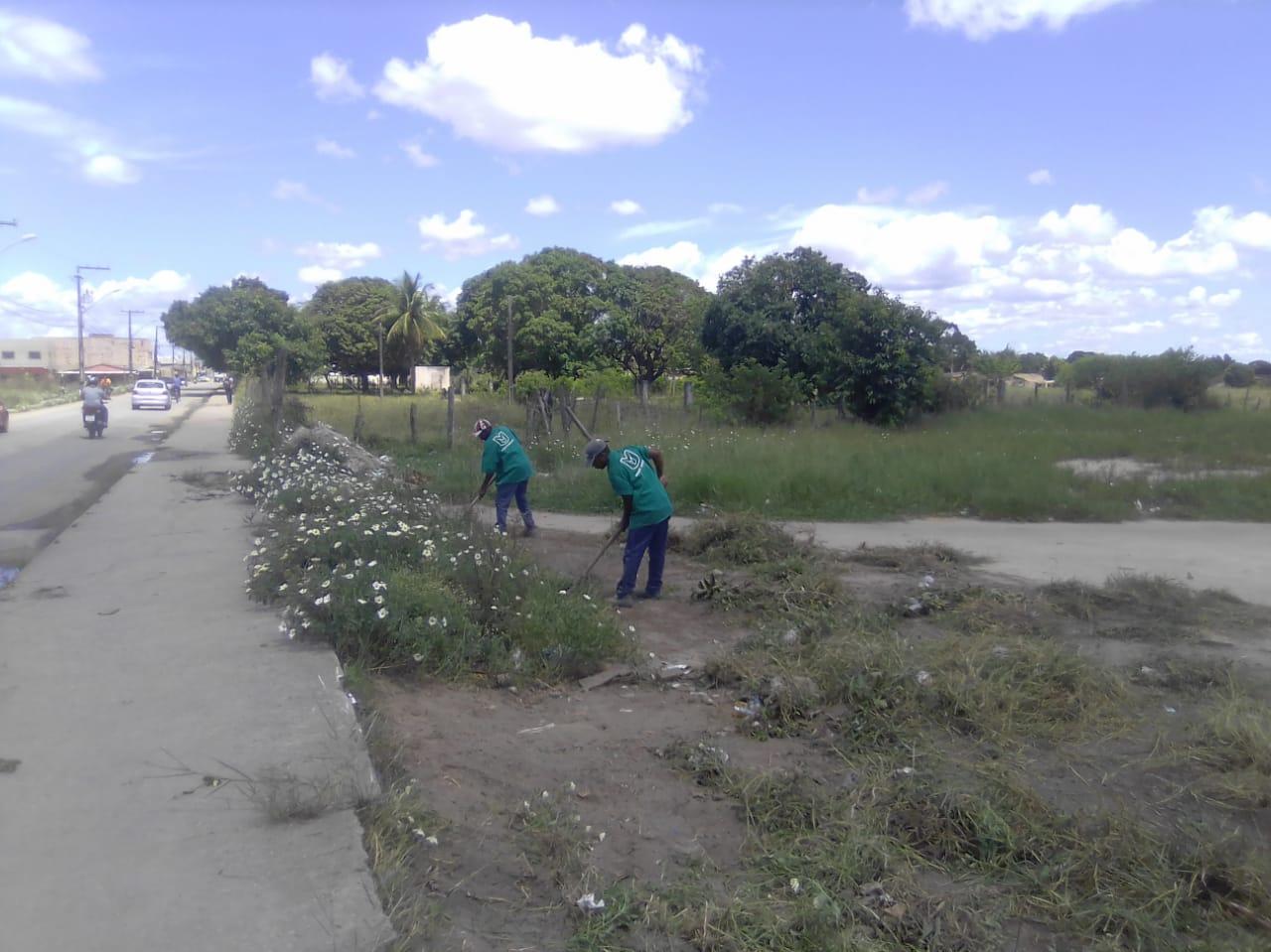 Eunápolis promove remoção de entulho e limpeza nos bairros Antares, Dinah Borges, Paquetá e Sapucaeira 29