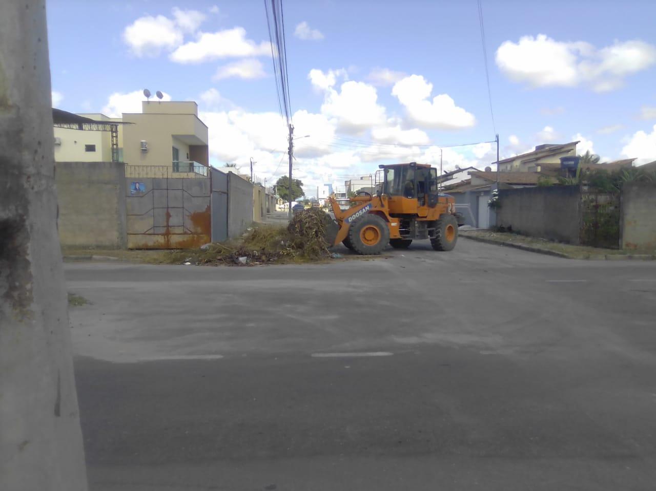 Eunápolis promove remoção de entulho e limpeza nos bairros Antares, Dinah Borges, Paquetá e Sapucaeira 27