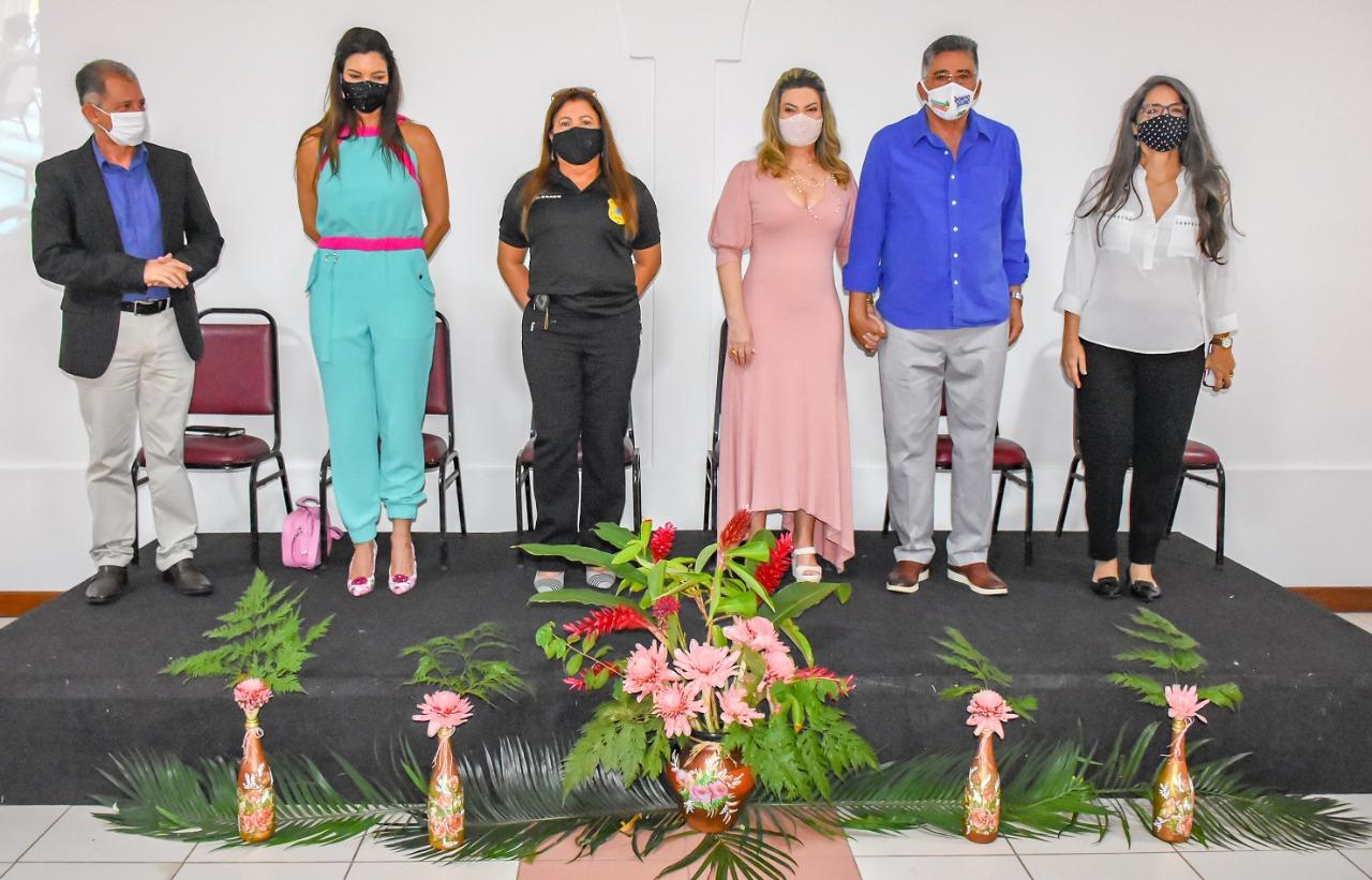 Em comemoração ao Dia Internacional da Mulher, o Prefeito Jânio Natal esteve presente na manhã desta segunda-feira 8 de março, em um café da manhã para homenagear as mulheres no Porto Seguro Eco Bahia. 30