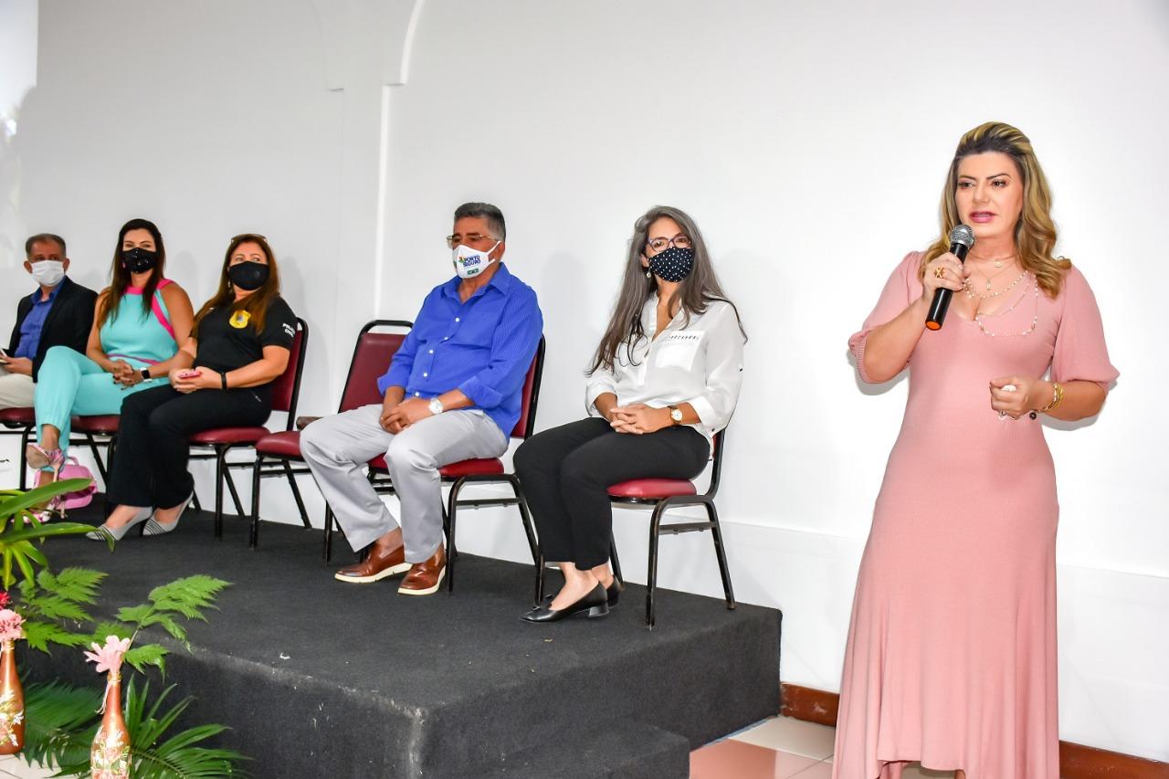 Em comemoração ao Dia Internacional da Mulher, o Prefeito Jânio Natal esteve presente na manhã desta segunda-feira 8 de março, em um café da manhã para homenagear as mulheres no Porto Seguro Eco Bahia. 27