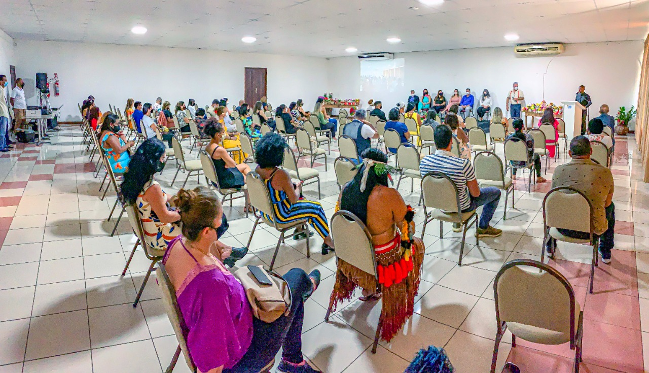 Em comemoração ao Dia Internacional da Mulher, o Prefeito Jânio Natal esteve presente na manhã desta segunda-feira 8 de março, em um café da manhã para homenagear as mulheres no Porto Seguro Eco Bahia. 29