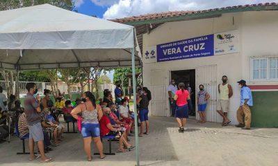 Idosos com idade a partir de 78 anos receberam a primeira dose da CoronaVac nos distritos de Pindorama e Vera Cruz neste sábado (13). 19