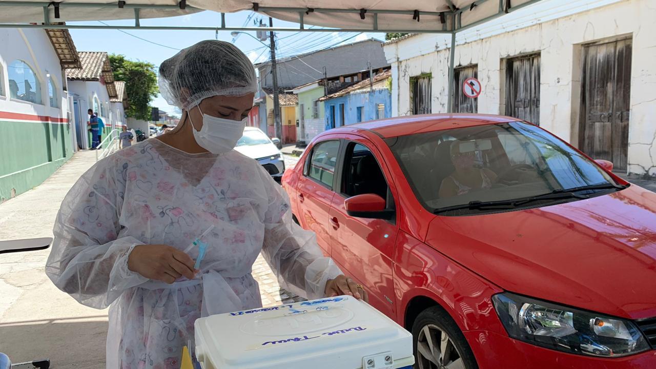 Drive thru 70 anos ou mais - Terra Mãe do Brasil Vacinada 24