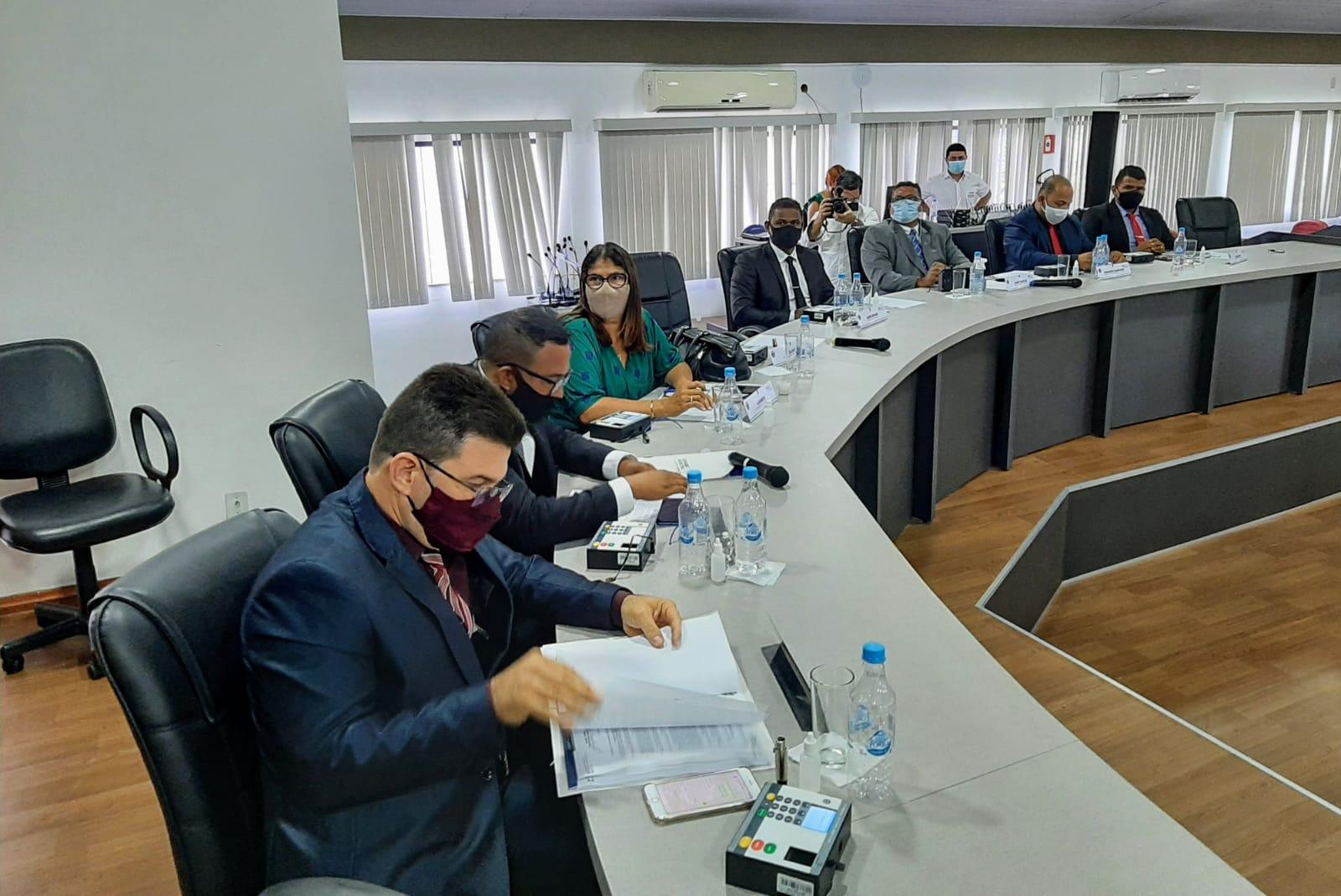 Por decisão do TCM, Câmara de Eunápolis suspende tramitação das contas da Prefeitura referente a 2018 22