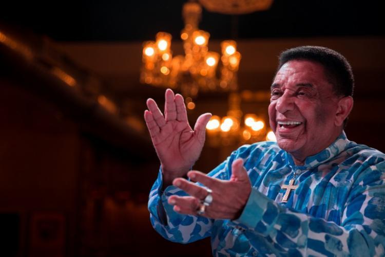 Morre o cantor Agnaldo Timóteo, vítima da Covid-19 18