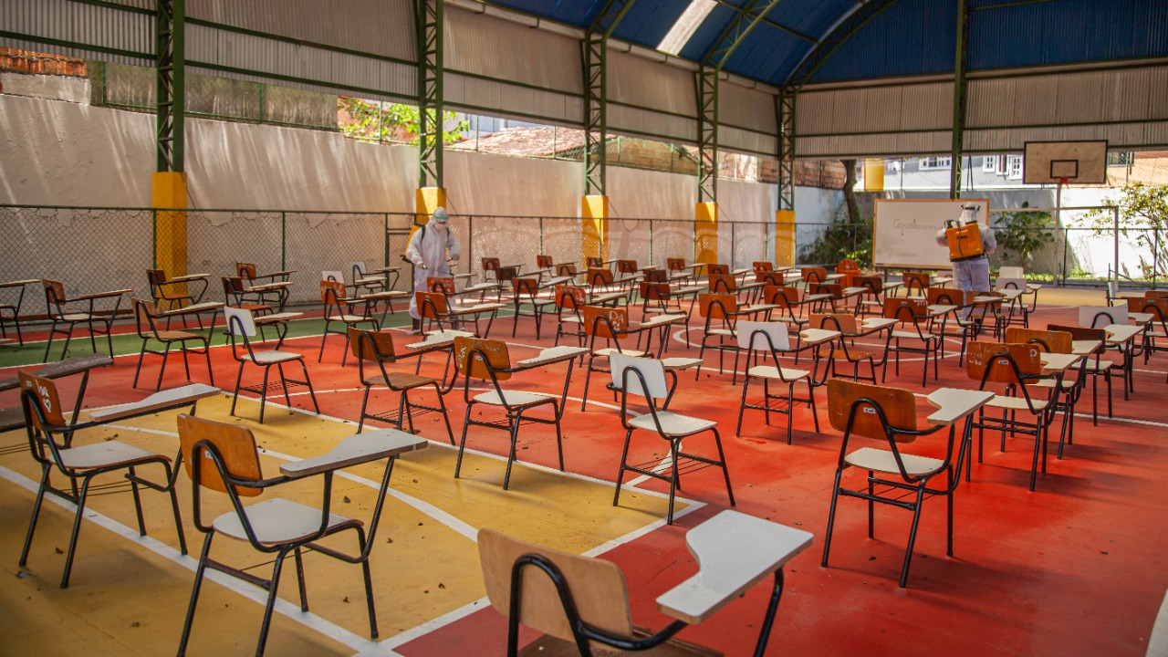 Escolas de Porto Seguro recebem sanitização contra a Covid 24
