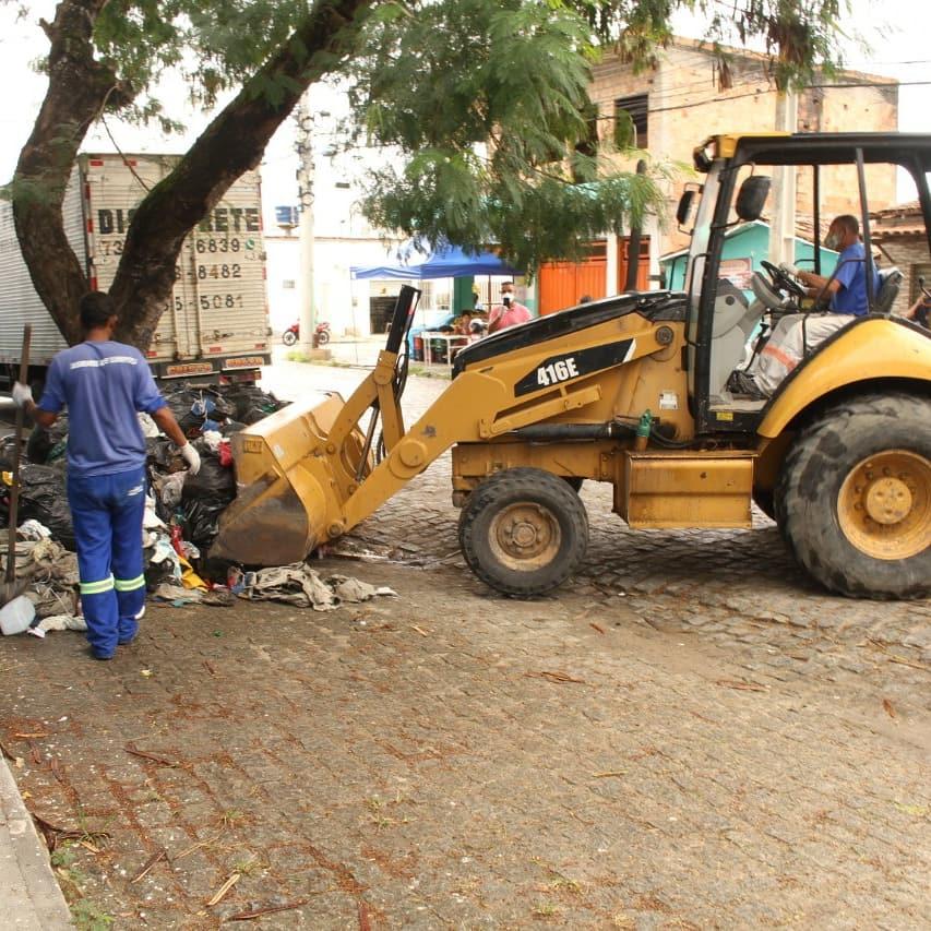 Polícia identifica dois suspeitos de descarte irregular de lixo em via pública 36