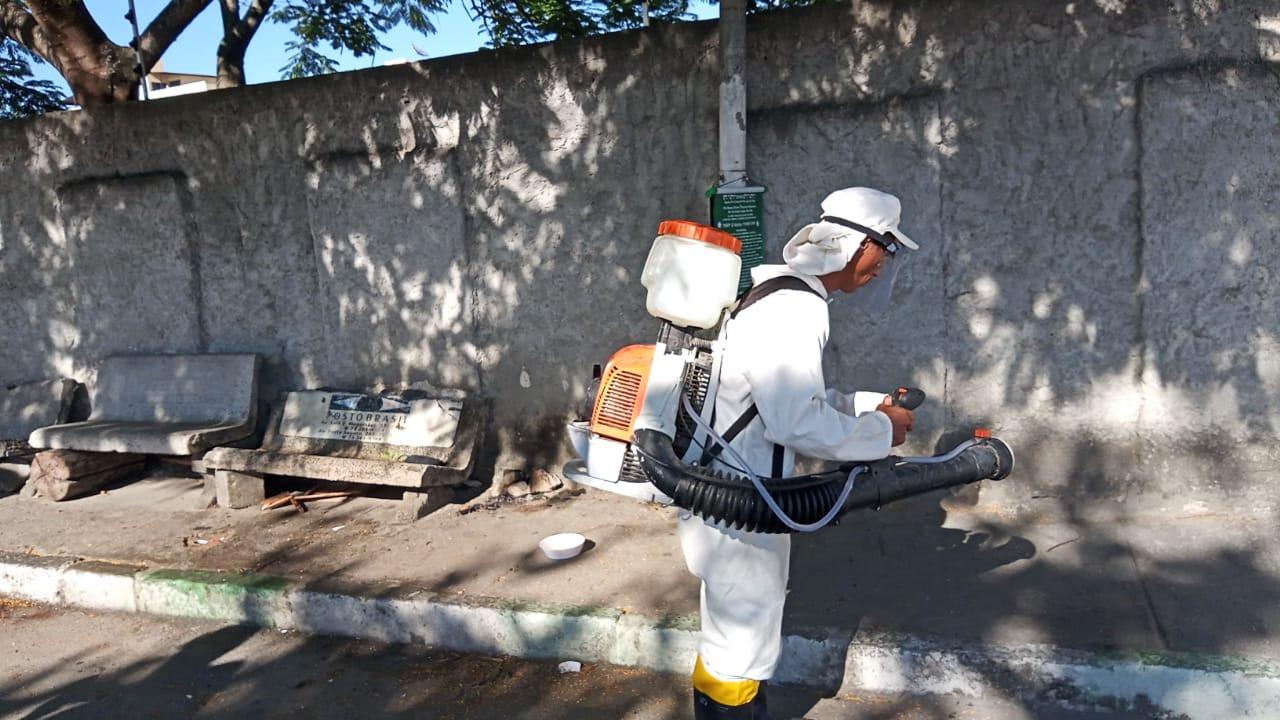No combate ao coronavírus, ruas passam por desinfecção, em Eunápolis 29