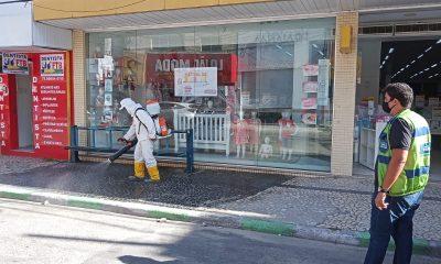 No combate ao coronavírus, ruas passam por desinfecção, em Eunápolis 31
