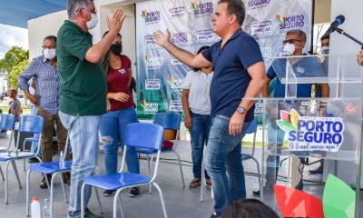 Prefeito Jânio Natal se reúne com agricultores e com apoio de Jonga Bacelar anuncia regularização de terras no assentamento 20