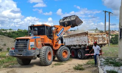 Prefeitura de Eunápolis realiza operação de limpeza do Mutirão 'Bota-Fora', no bairro Dinah Borges 27