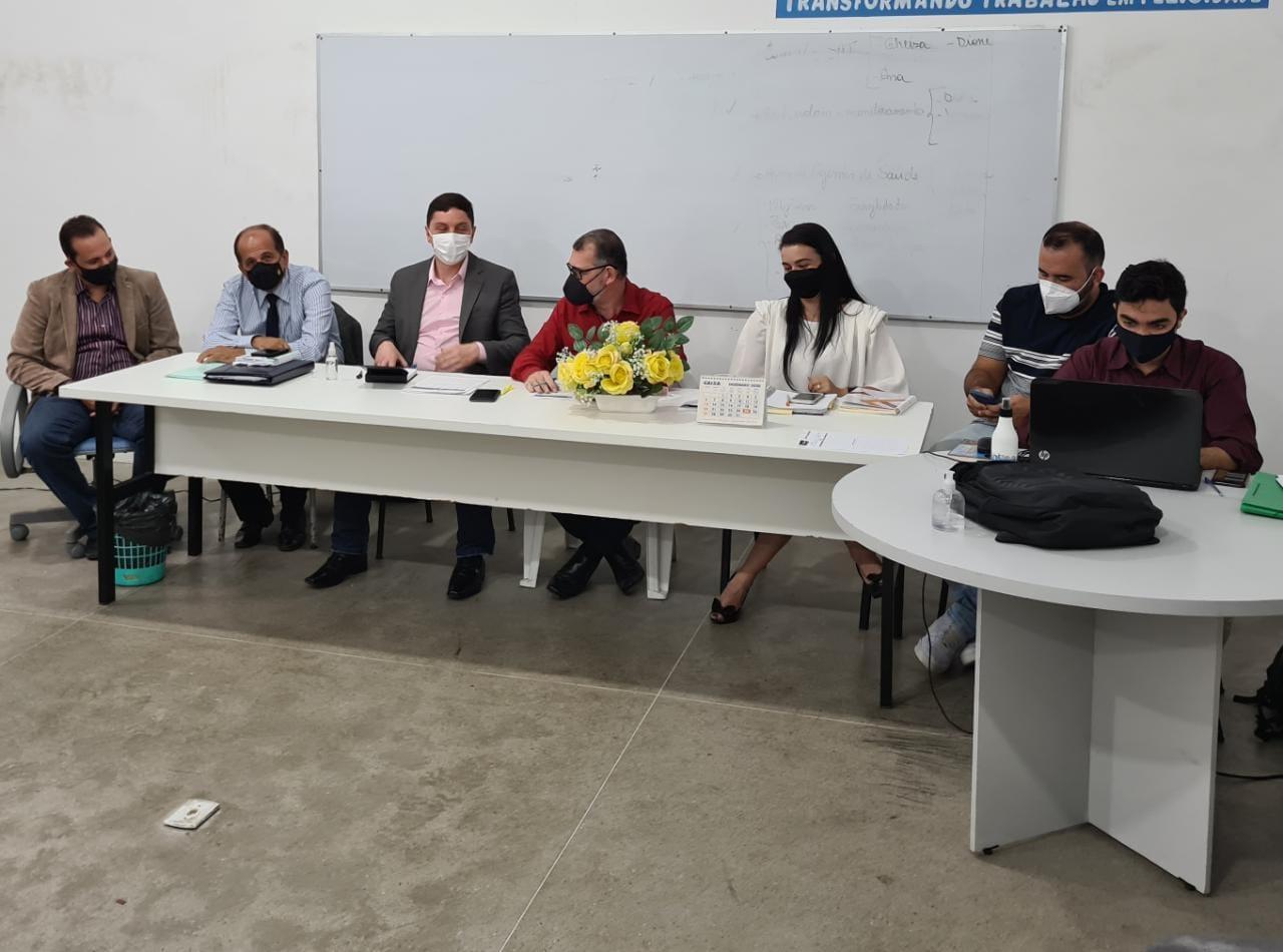 Prefeitura de Eunápolis se reúne com representantes de bares e restaurantes 22