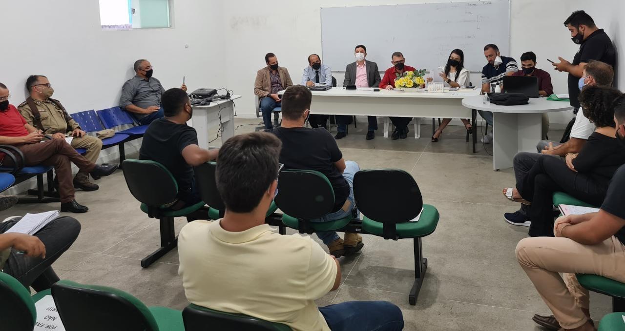 Prefeitura de Eunápolis se reúne com representantes de bares e restaurantes 24