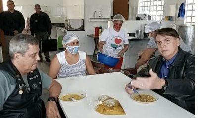 """Bolsonaro diz que desemprego é efeito colateral da """"política de lockdown"""" 37"""