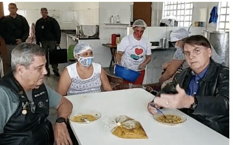 """Bolsonaro diz que desemprego é efeito colateral da """"política de lockdown"""" 20"""