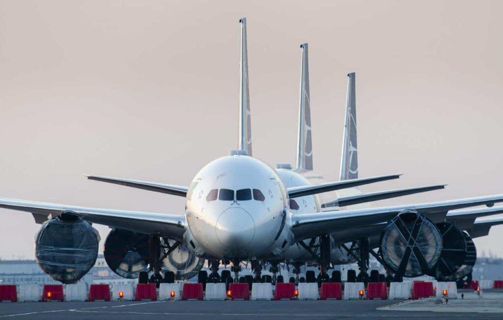 Pesquisadores transformam plástico em combustível de aviação 21